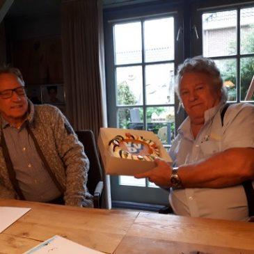 VVD-taart voor dhr. Schouten